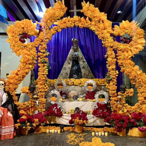 Bewonder prachtige altaren met Dia de los Muertos in Mexico