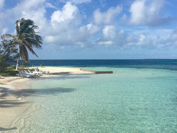 Belize-CayeCaulker-Onbewoondeiland