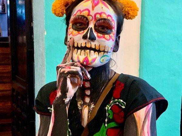 Laat je schminken als skelet met Dia de los Muertos