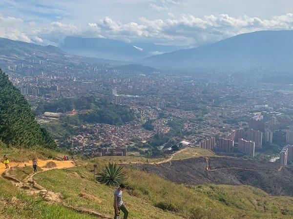 Medellin_Uizichtpunt-RondreisColombia-Travelfiesta
