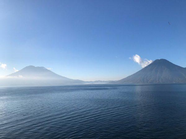 Bezoek het kratermeer van Atitland tijdens je rondreis door Guatemala